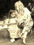 TUTTI I COLORI DEI BAMBINI noi per voi per il meyer onlus outfit mamma e figlia